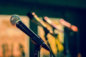 carina-numan-mooimuziek-microfoons